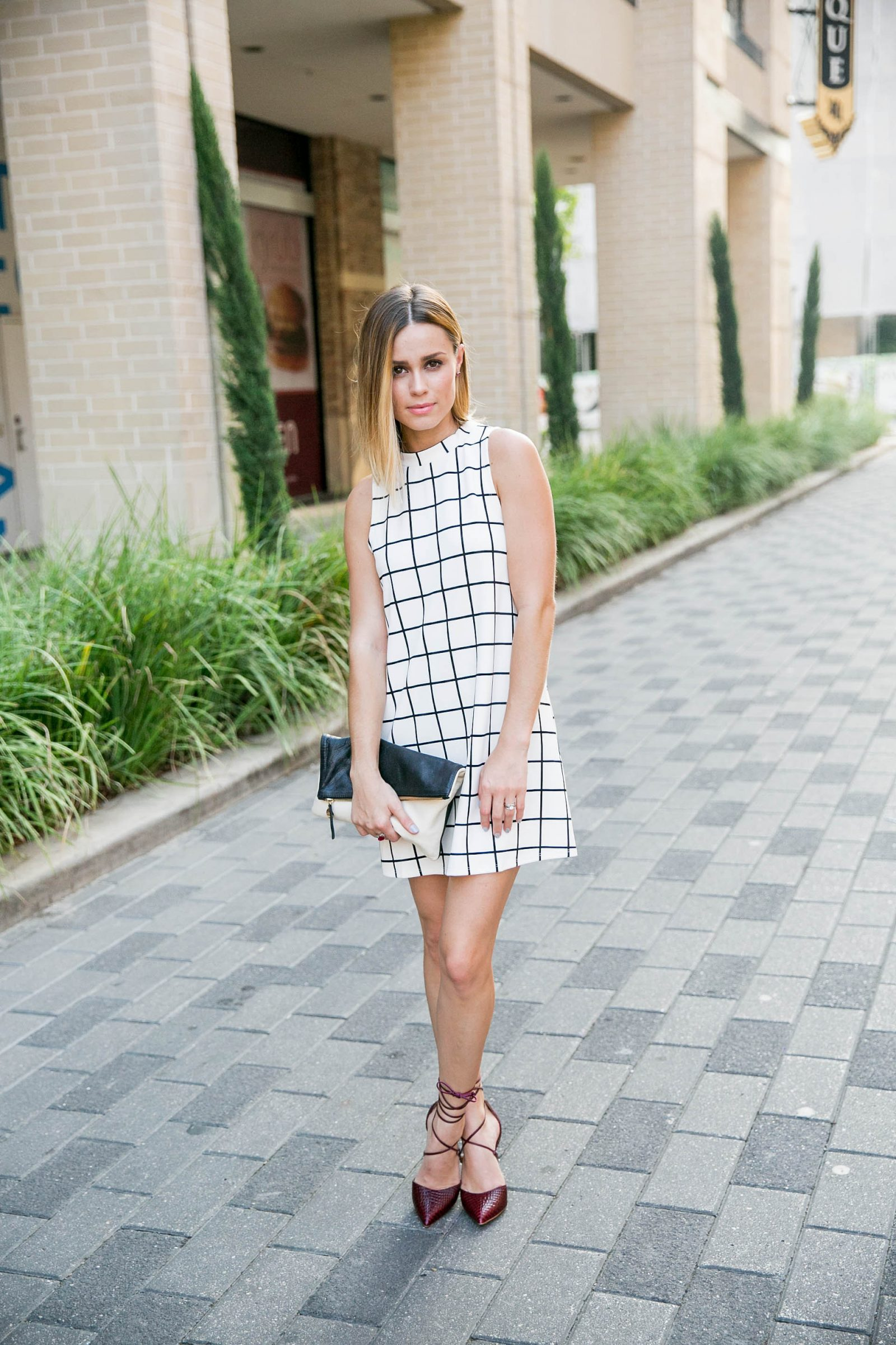 stripped dress outfit