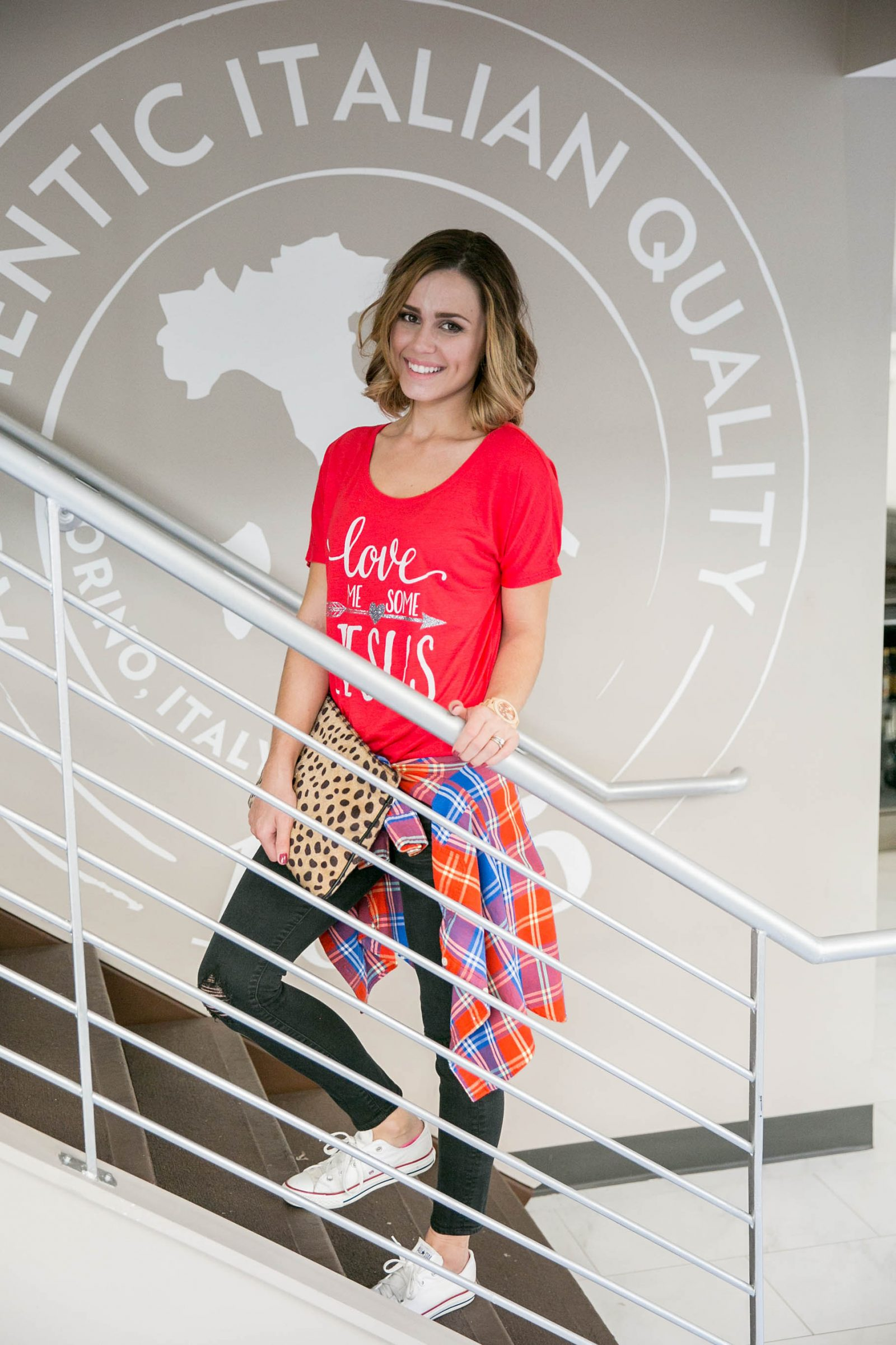 Houston fashion blogger Uptown with Elly Brown wears a casual outfit perfect for the weekend!