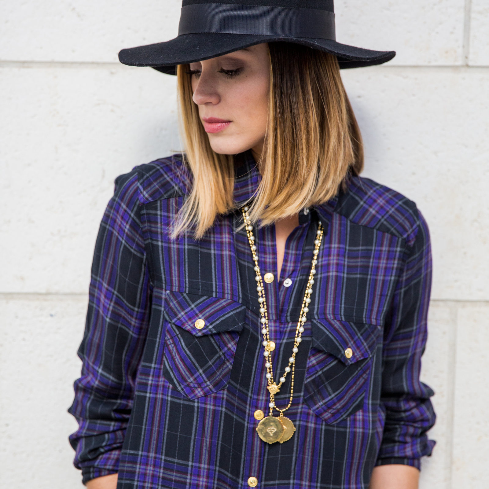 Plaid shirt outfit Fall look