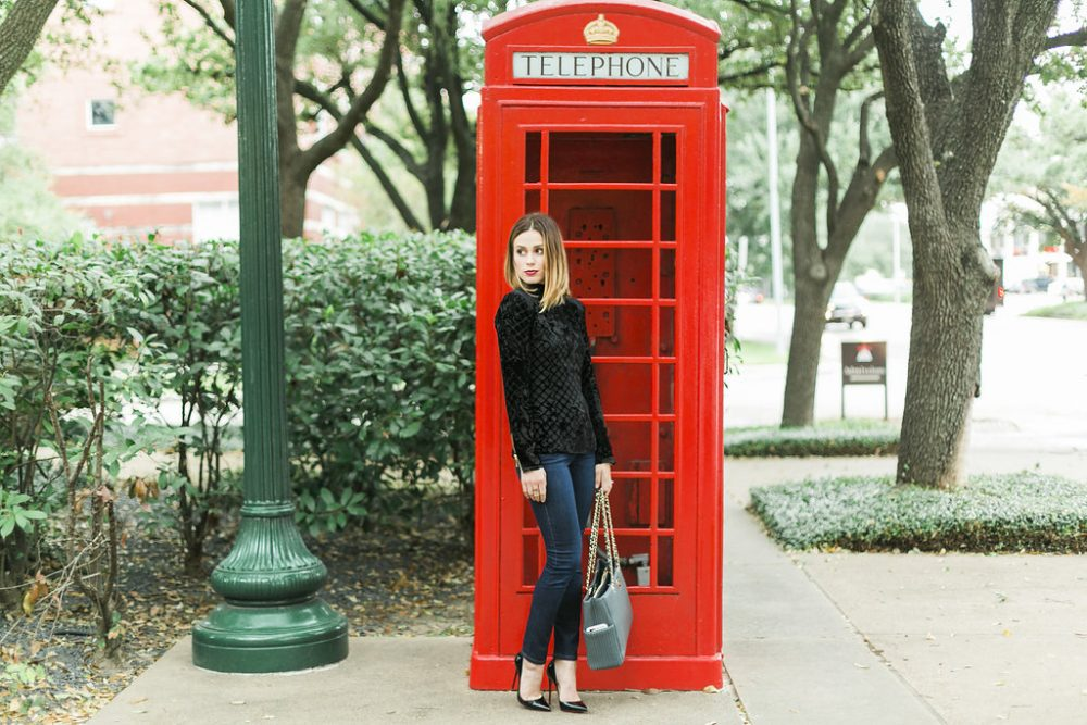 Casual Holiday Look -  Casual Holiday Outfit by Houston fashion blogger Uptown with Elly Brown