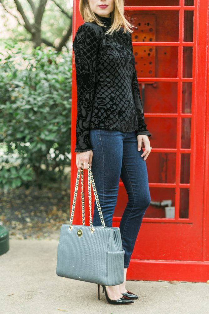 Casual Holiday Look-  Casual Holiday Outfit by Houston fashion blogger Uptown with Elly Brown
