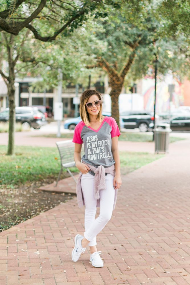 casual mommy style t-shirt & jeans