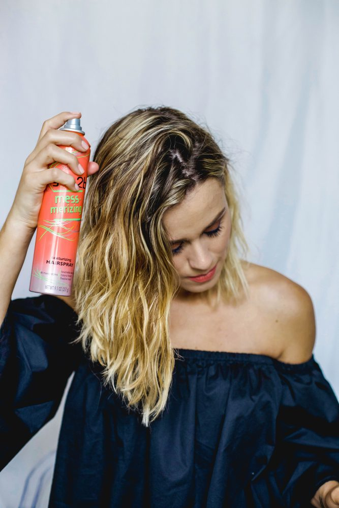 Houston beauty and lifestyle blogger Elly from Uptown With Elly Brown shares how to get the perfect beach waves (with no heat!) for any length hair!
