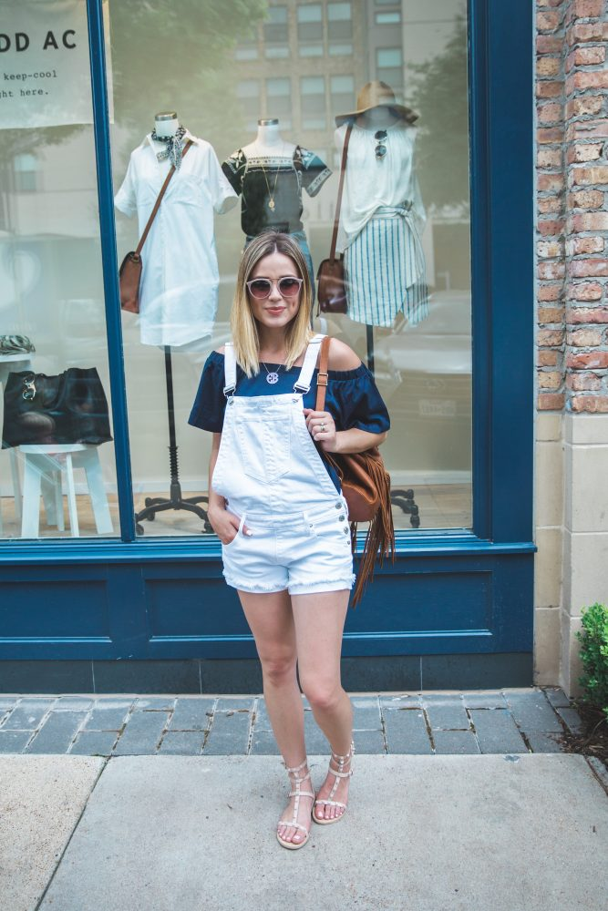 how to wear denim short overalls
