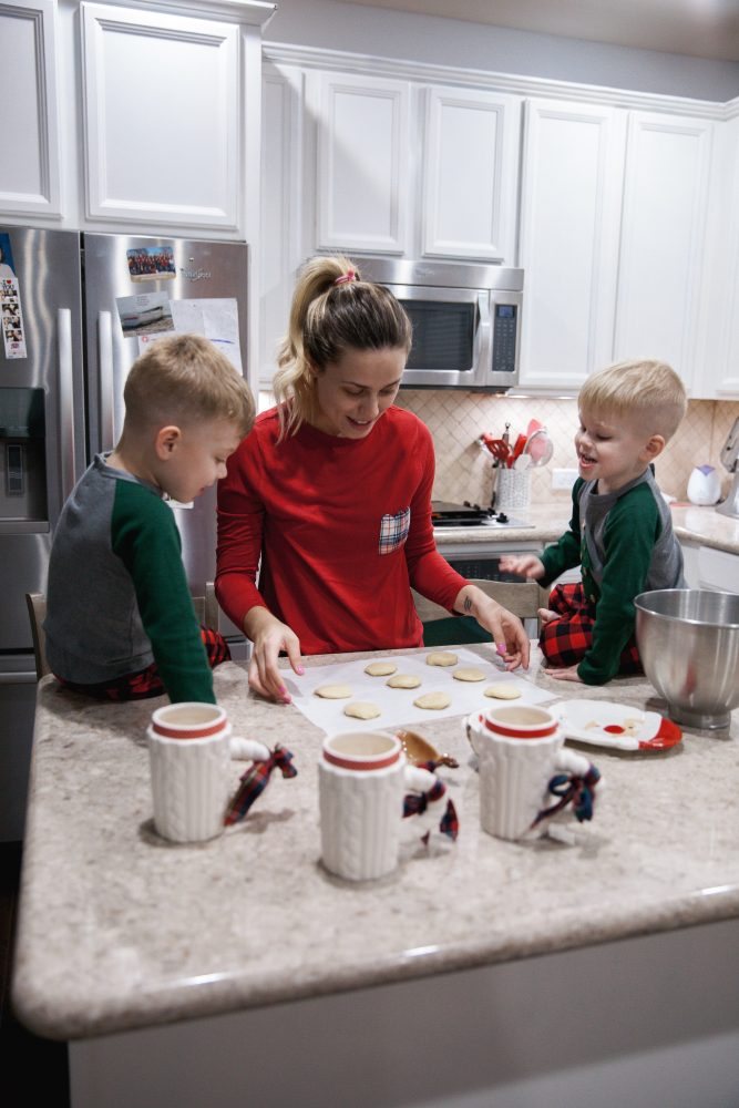 Christmas Decor | Christmas Traditions | Family Holiday Traditions | Uptown with Elly Brown