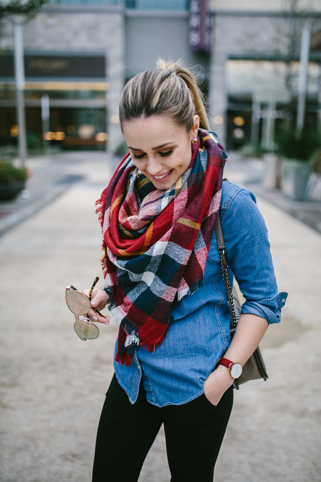Plaid Scarf | Casual outfit | Maternity outfit | Maternity casual outfit | Uptown with Elly Brown