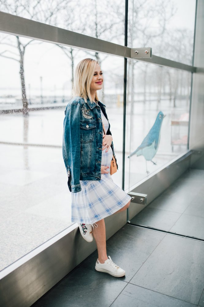 Maternity Fashion | Maternity looks | Ily Couture denim jacket | Spring fashion | Drop waist dress | Uptown with Elly Brown