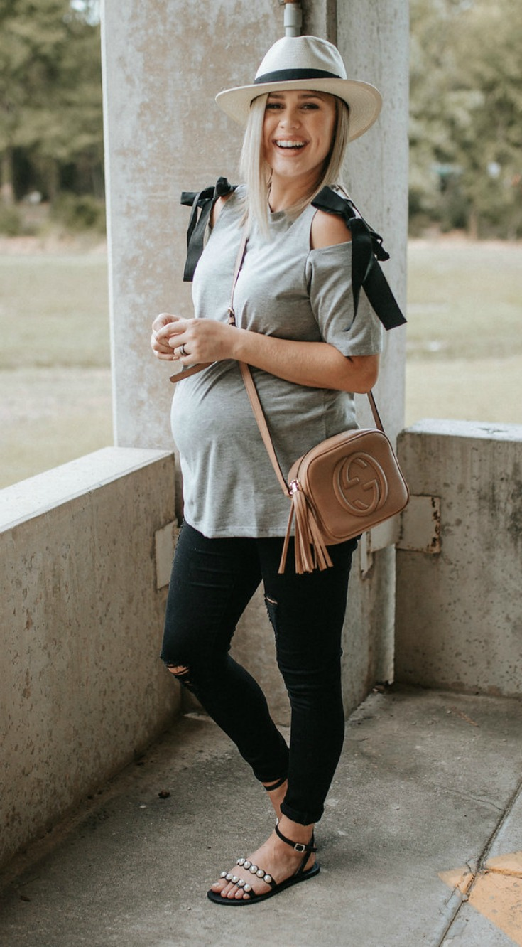 casual bump style | Bow tie maternity top | maternity fashion | casual maternity outfit | Uptown with Elly Brown