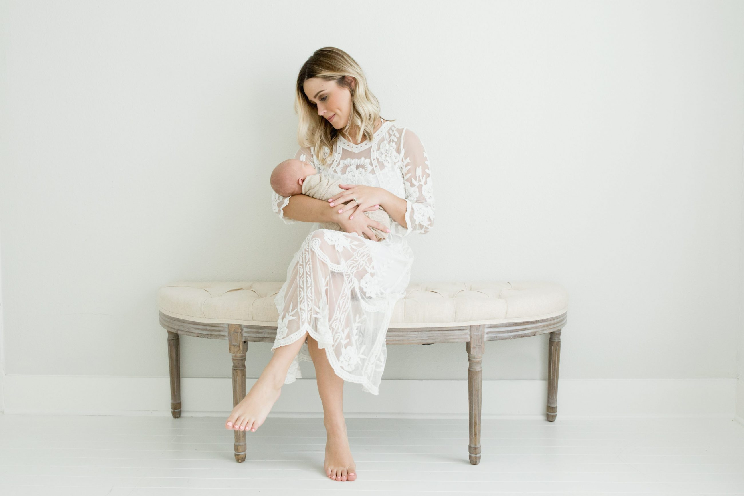 Newborn Photo Session Pictures | Family Pictures ideas | Newborn Photo Ideas | Uptown with Elly Brown
