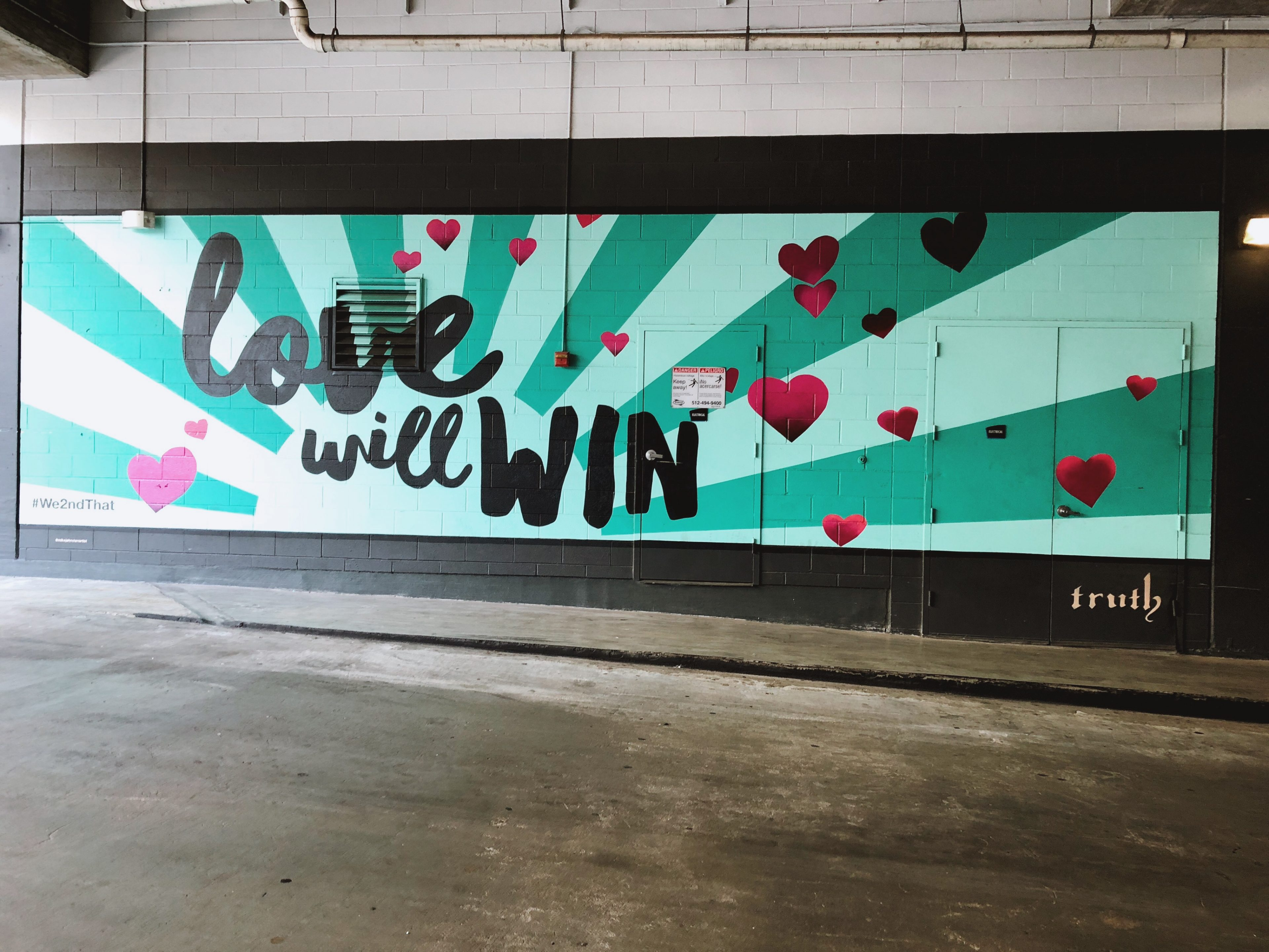 Houston blogger Uptown with Elly Brown shares her family trip experience as a family of 5