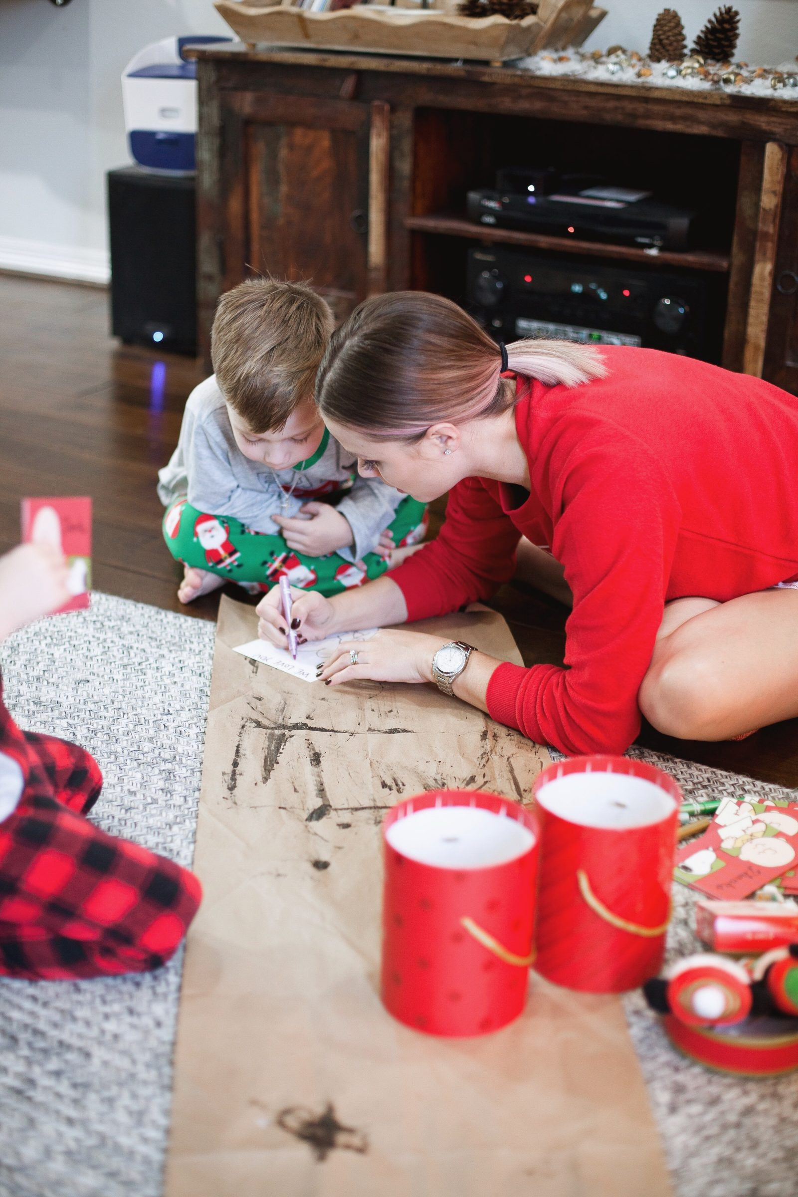 Houston Lifestyle Blogger Uptown with Elly Brown shares why it's important to teach our kids about Kindness this holiday season. Click here for more!