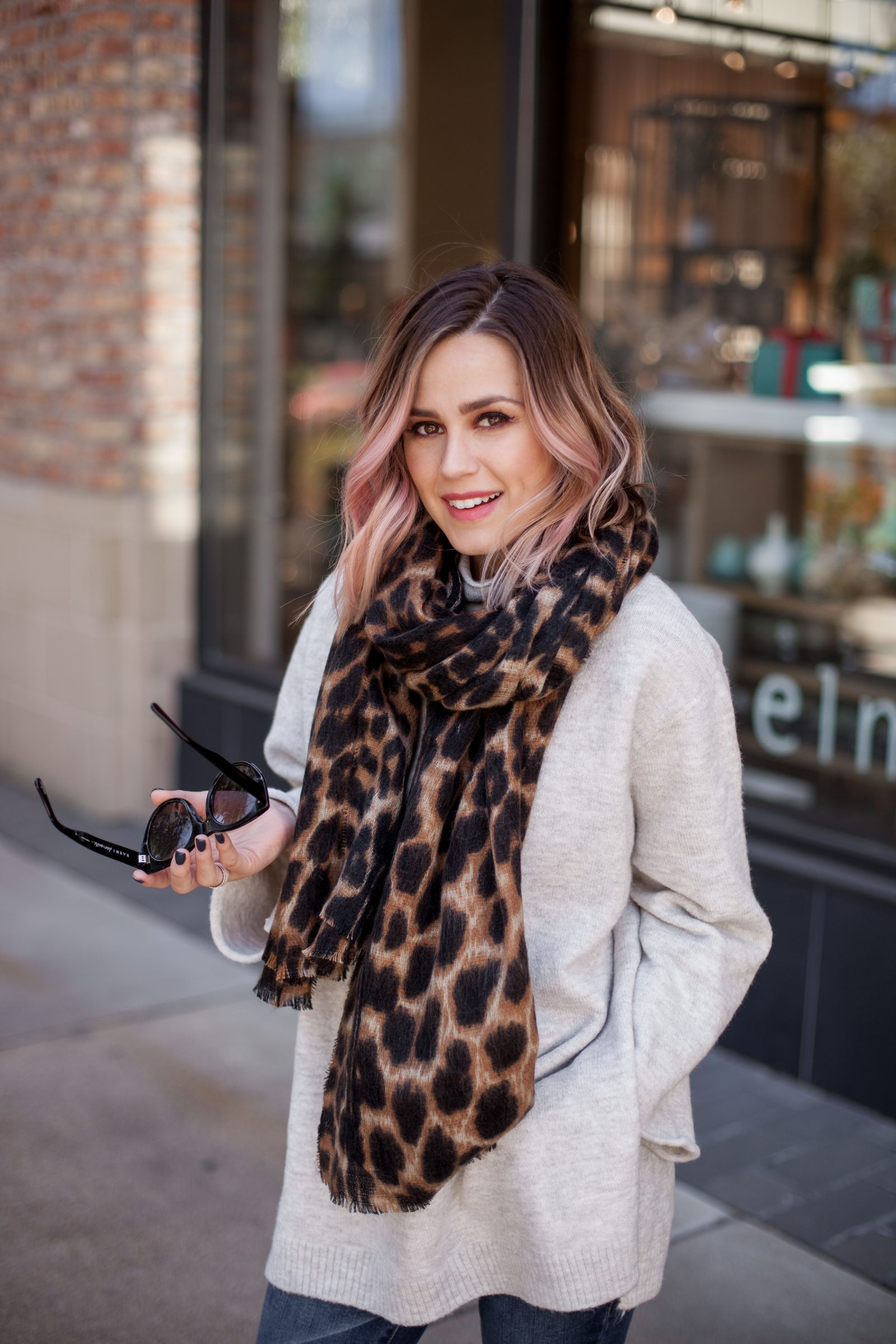 Uptown with Elly Brown shares a Comfy winter outfit | Thanksgiving outfit | Comfy Holiday outfit | Oversized scarf