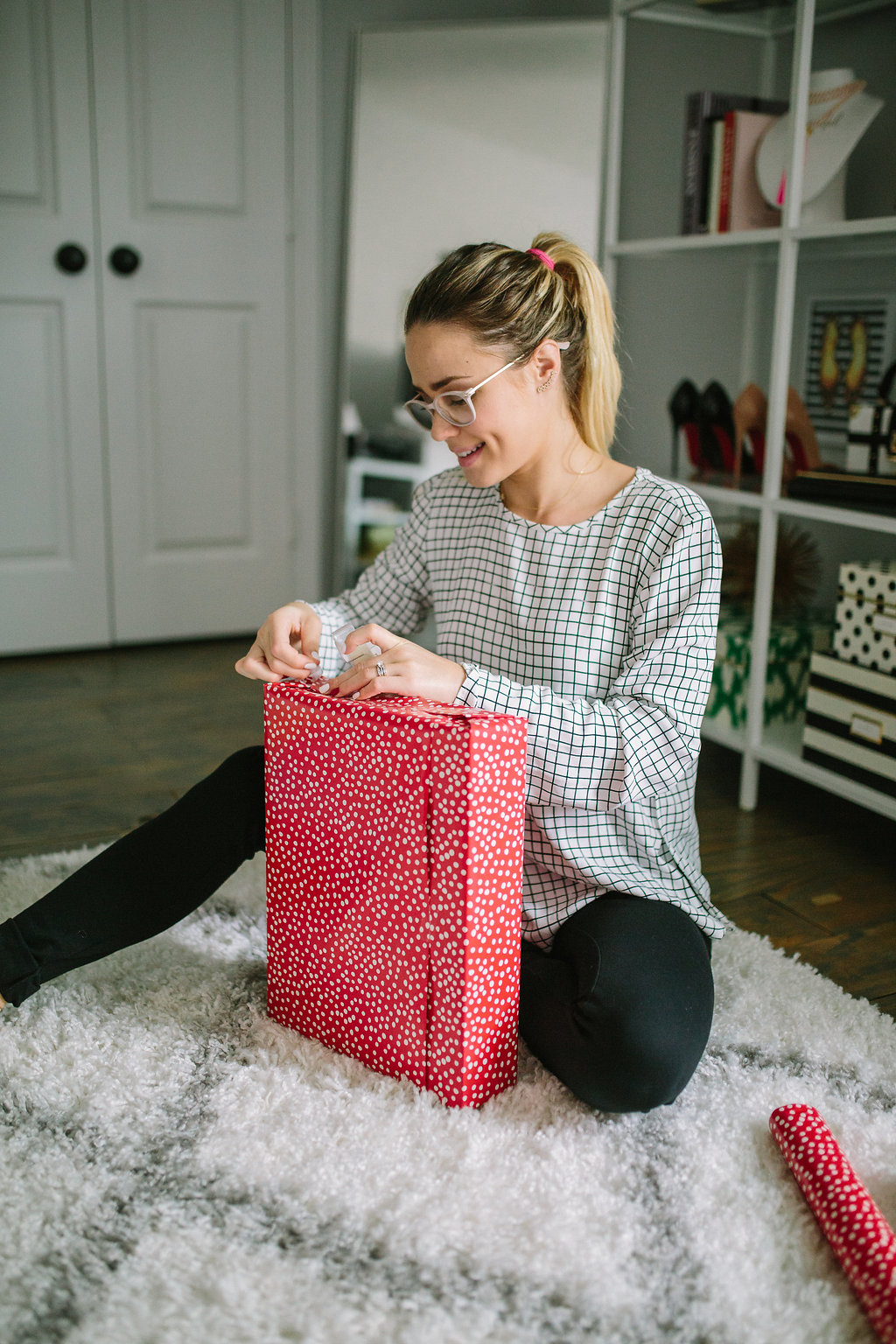 Houston Lifestyle blogger Uptown with Elly Brown shares her top 12 Holiday Gift Ideas For Him. Click here to see her picks!