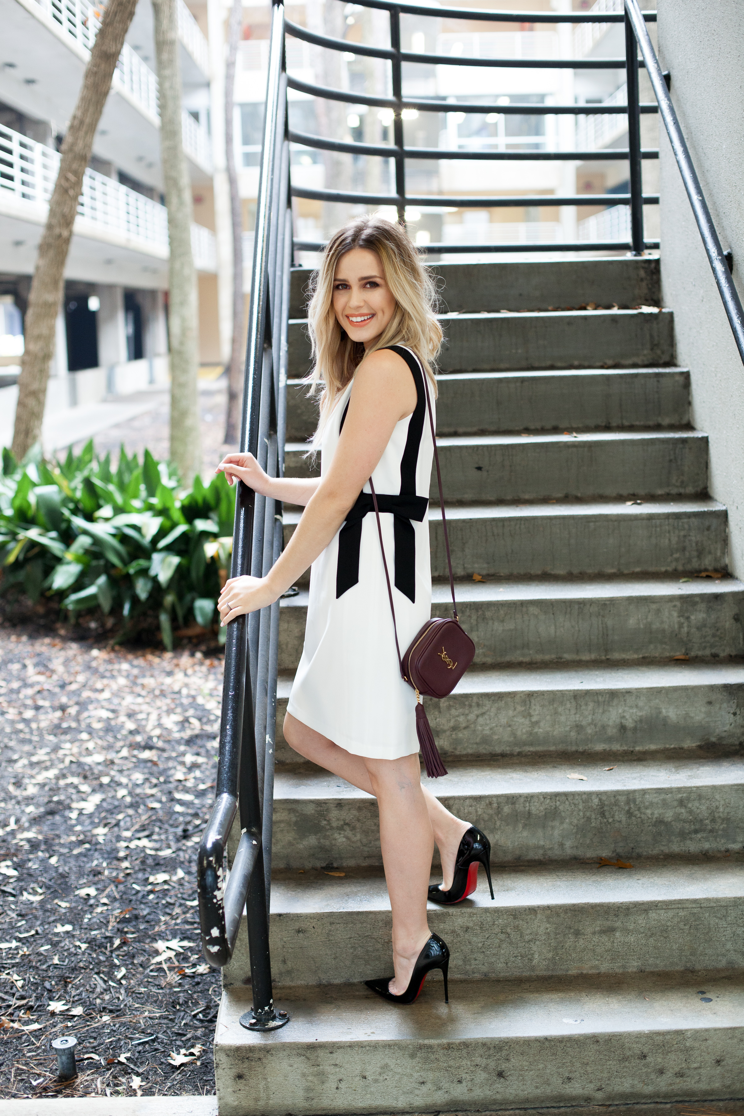 Houston fashion blogger Uptown with Elly Brown shares her tips and tricks on How To Get Ready For A Date Night. Click here for more!