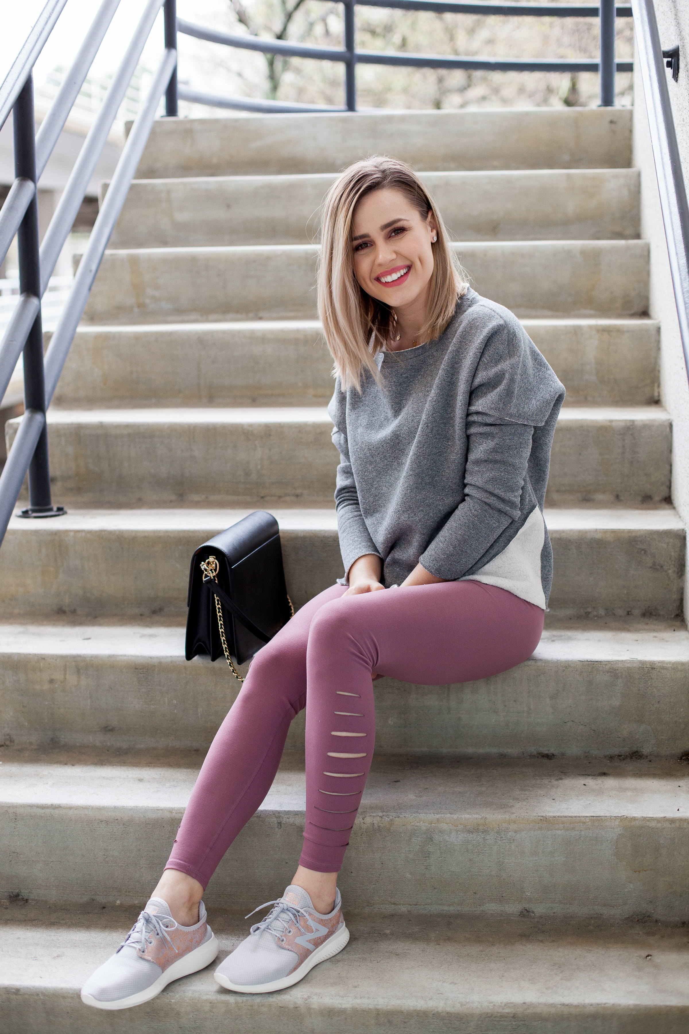 Athleisure Outfit | Casual outfit | chic legging outfit | Abercrombie leggings | Uptown with Elly Brown