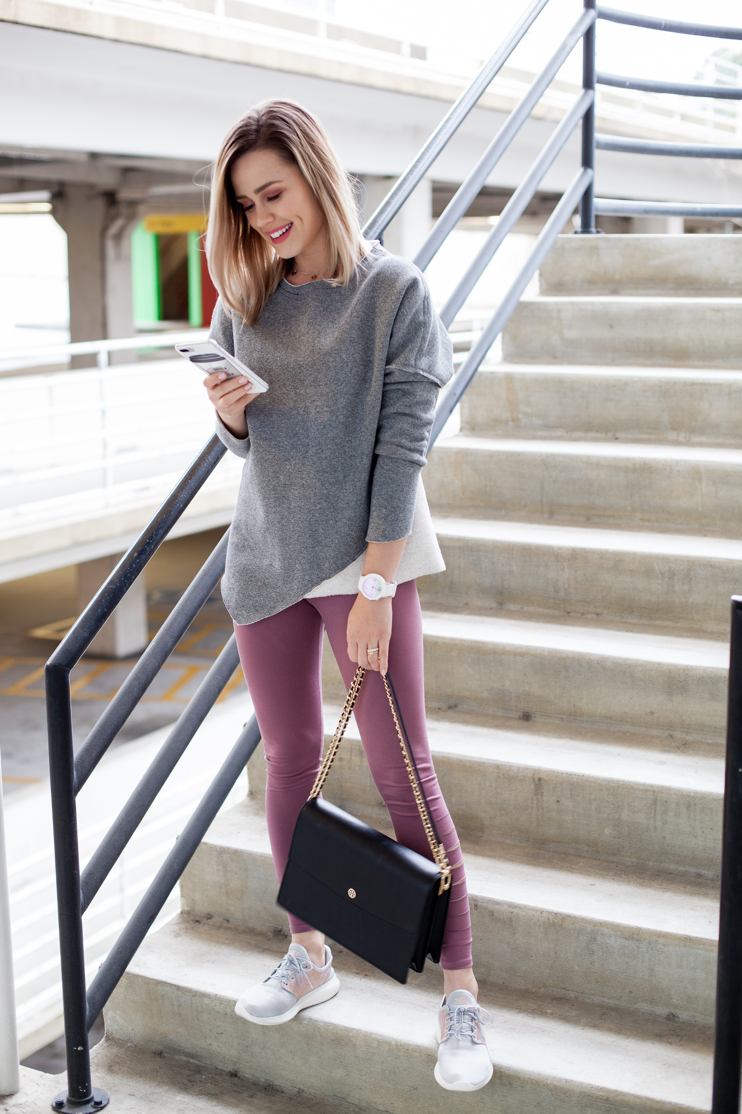 Houston fashion blogger Uptown with Elly Brown shares how to wear the Athleisure Style that can take you from the gym to brunch. Click here for more!