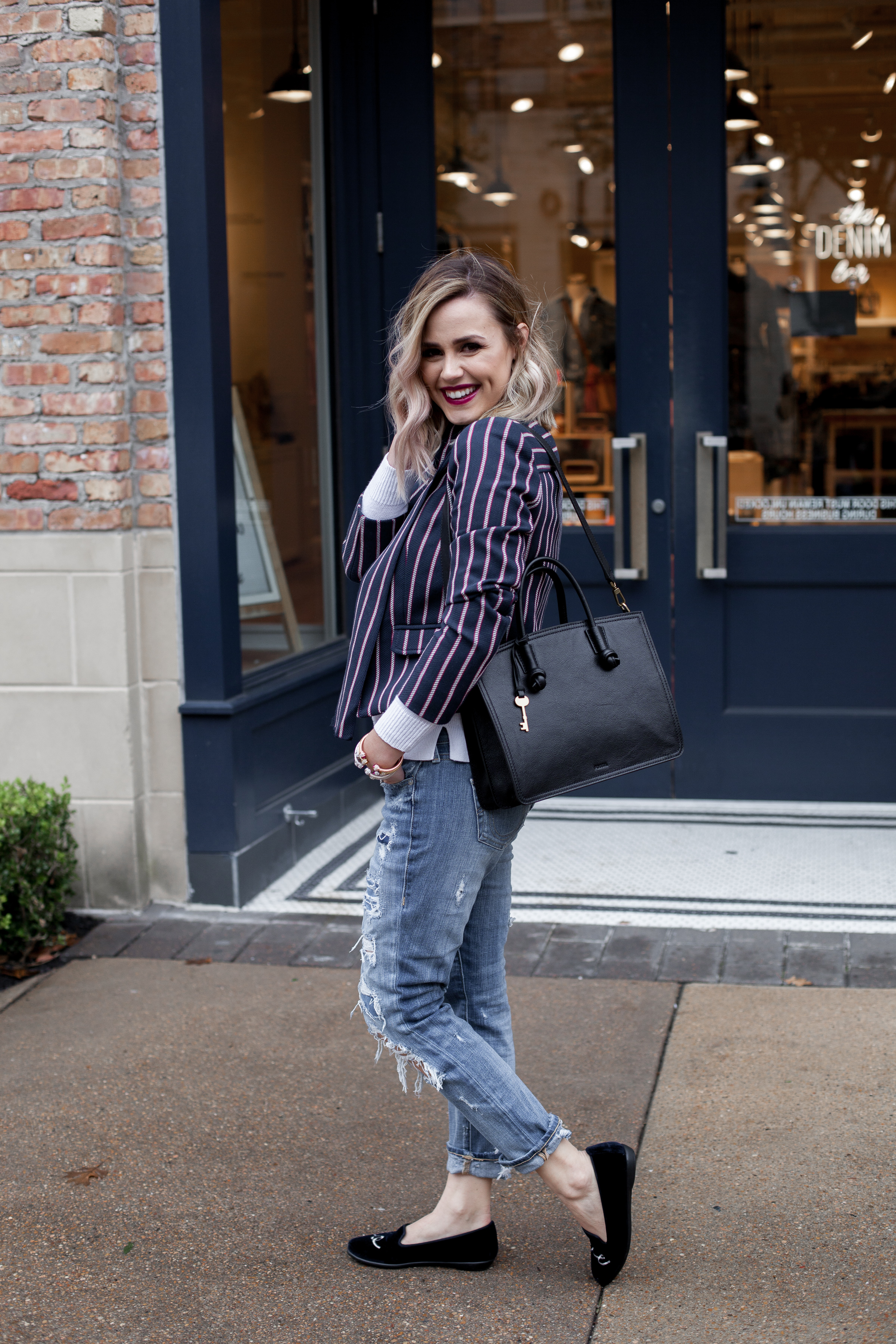 Houston Fashion blogger Uptown with Elly Brown shares a few tips and tricks on how you can Dress Down A Blazer. Click here for more!