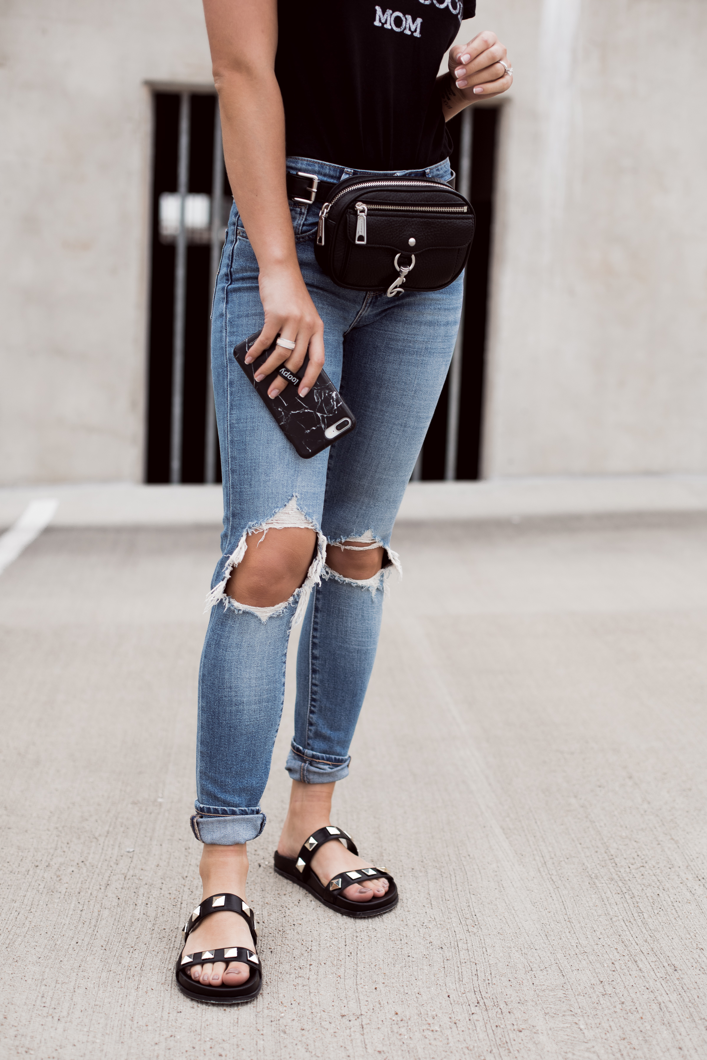 Houston fashion blogger Uptown with Elly Brown shares 2 of her favorite Spring Shoe Trends and how to wear them day to day. Click here for more!