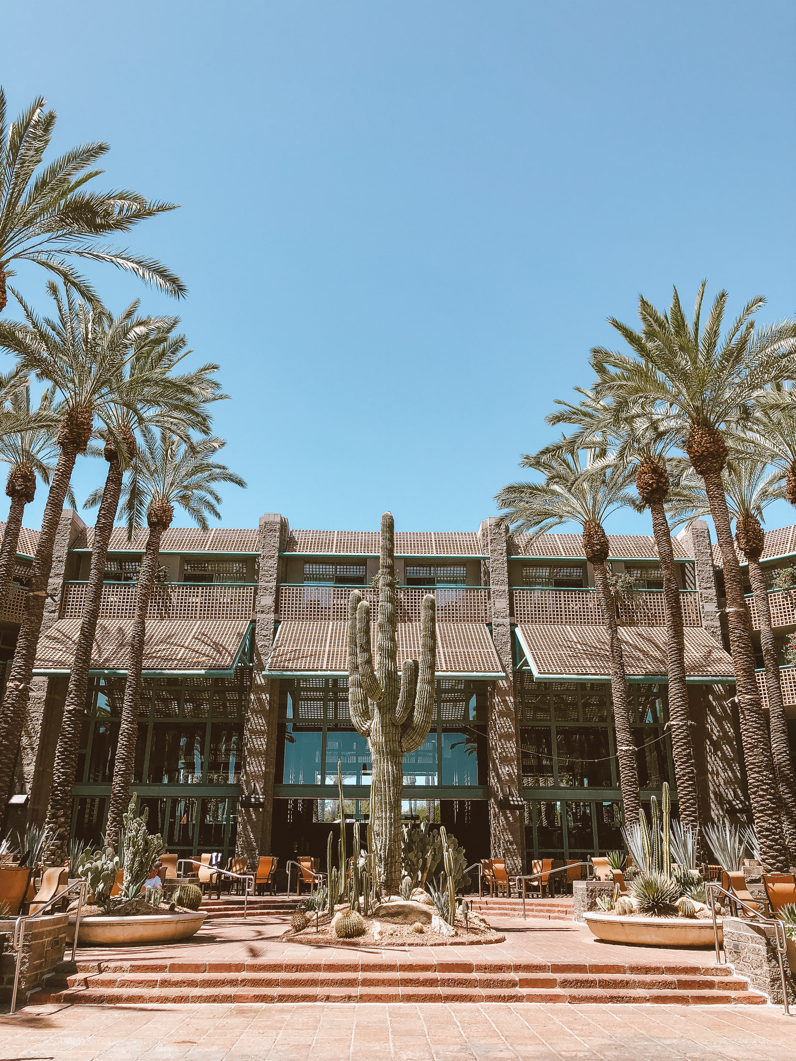 Houston lifestyle blogger Uptown with Elly Brown shares her Weekend Getaway to Scottsdale, Arizona and all the details on where to eat, stay and what to do! Click here for more!