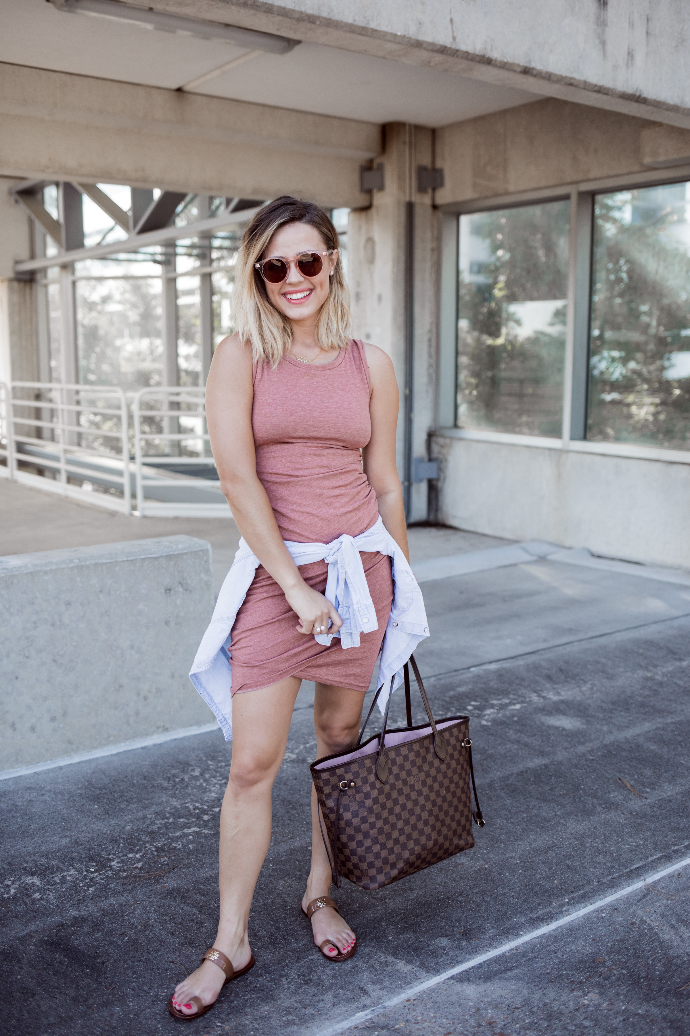 Houston Fashion blogger Uptown with Elly Brown shares how to wear one Body-Con Dress three ways. Click here for more of these summer outfits!