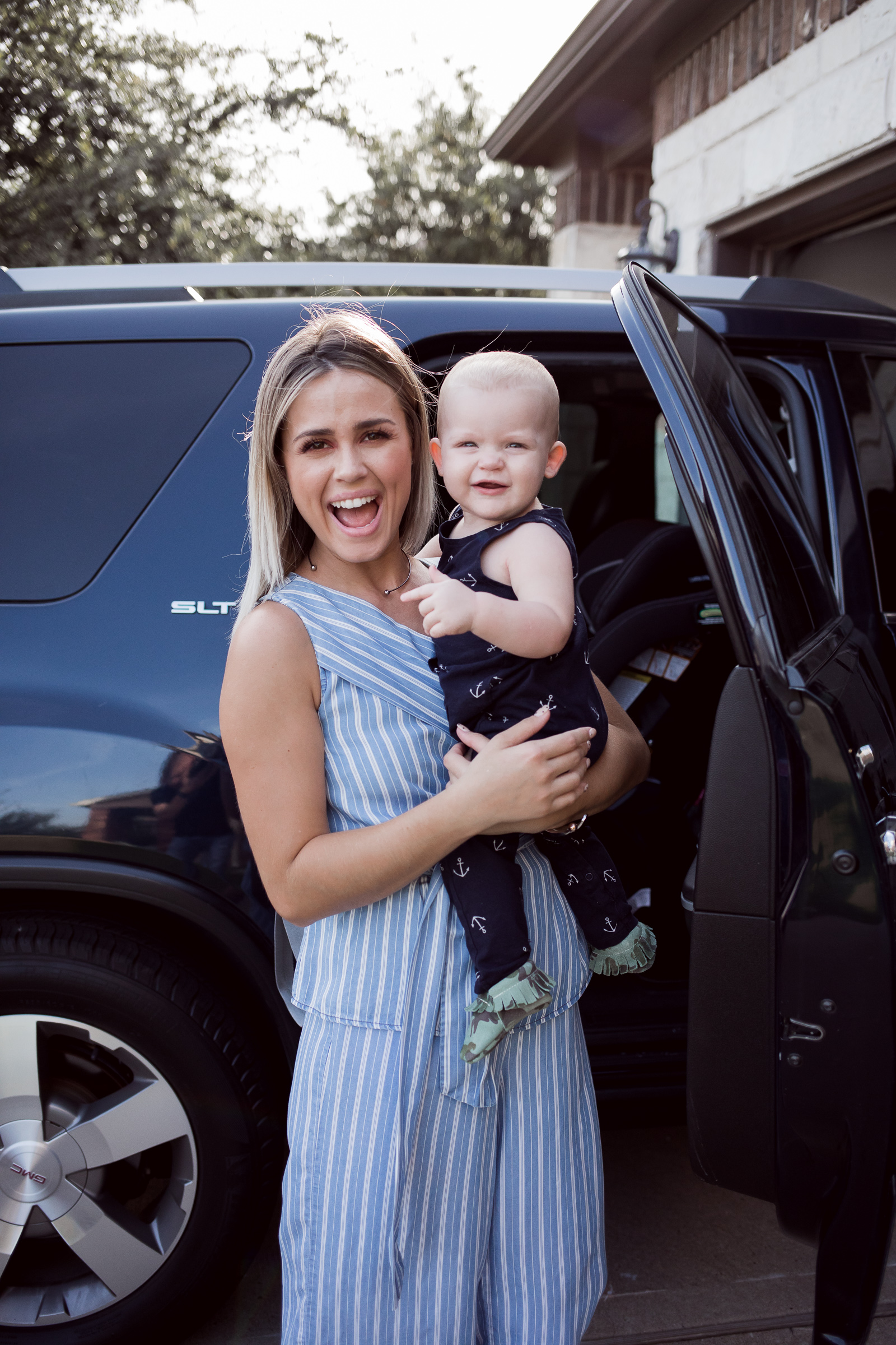 Houston Lifestyle blogger Uptown with Elly Brown shares her review on the Baby Jogger City View Car Seat and why she loves it.
