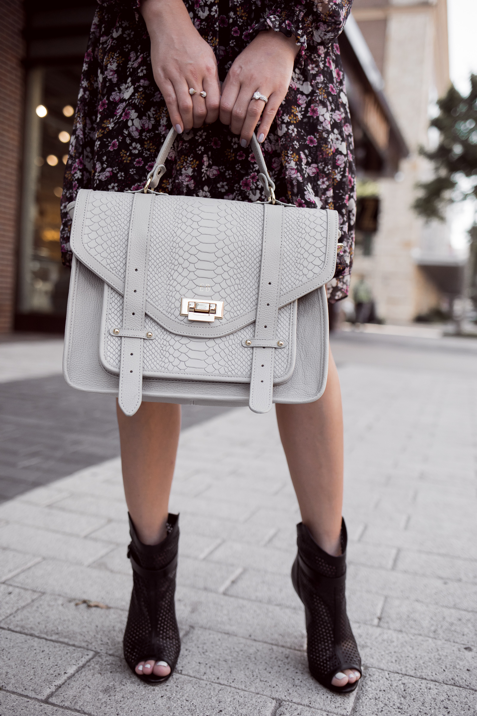Houston fashion blogger Uptown with Elly Brown wears a Grey Gigi New York Saddle Bag
