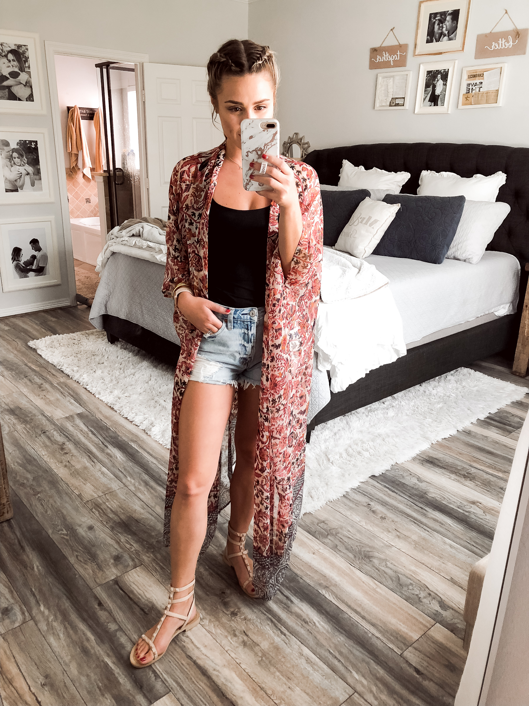 Houston fashion blogger Uptown with Elly Brown wears a kimono for a summer outfit