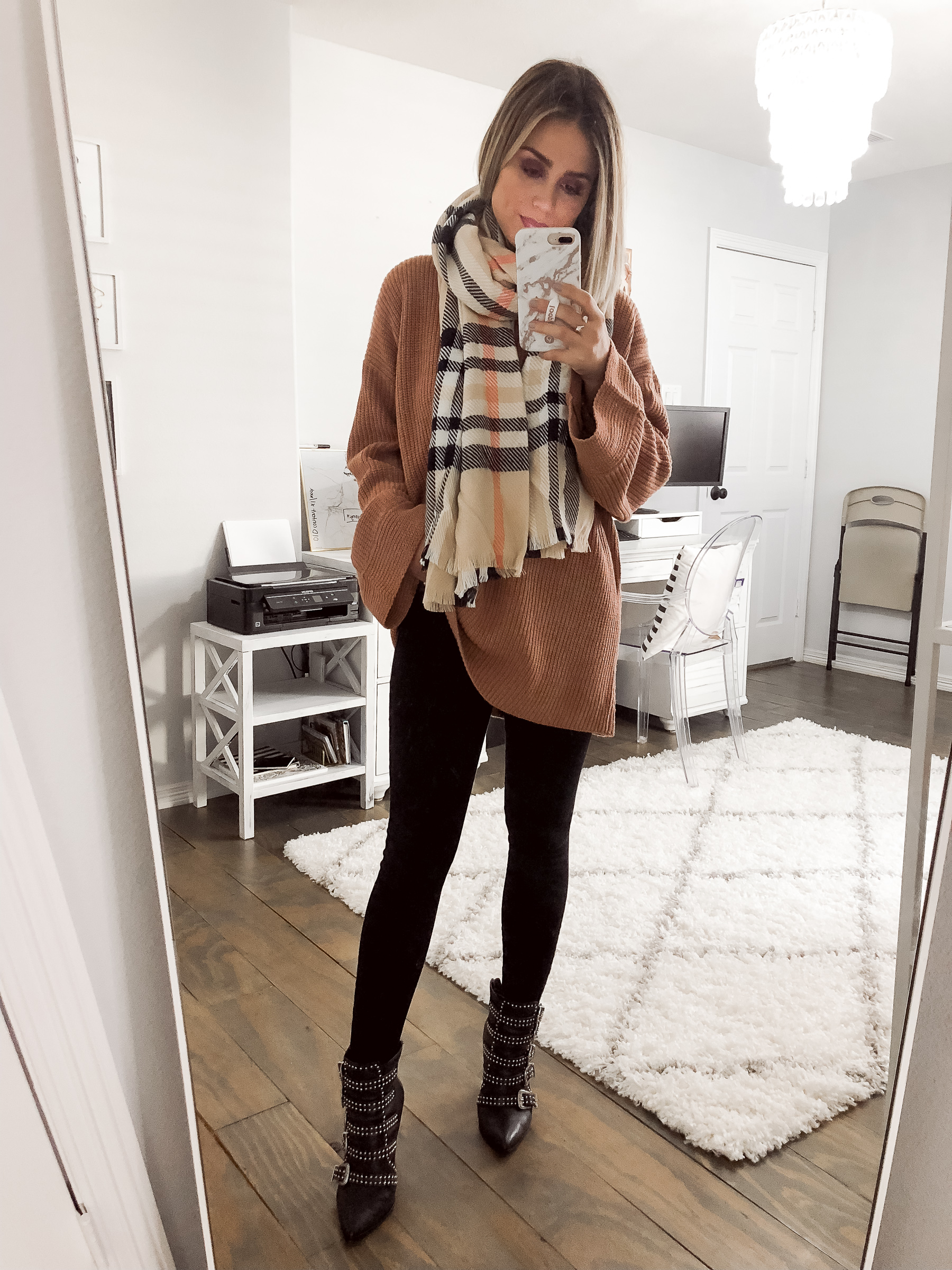 Houston fashion blogger Uptown with Elly Brown wears an oversized sweater for fall