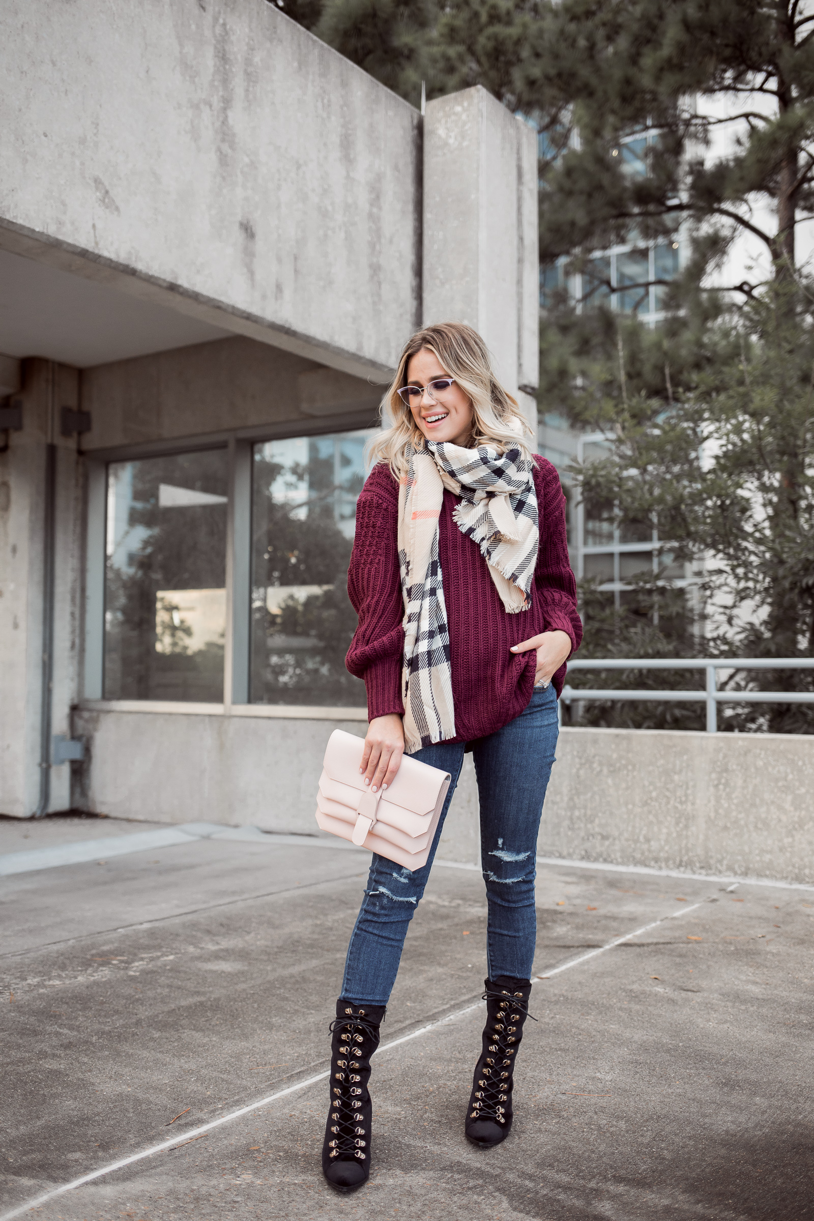 Houston Fashion blogger Uptown with Elly Brown wears an Easy Fall Outfit and how to nail the look every single time this season.