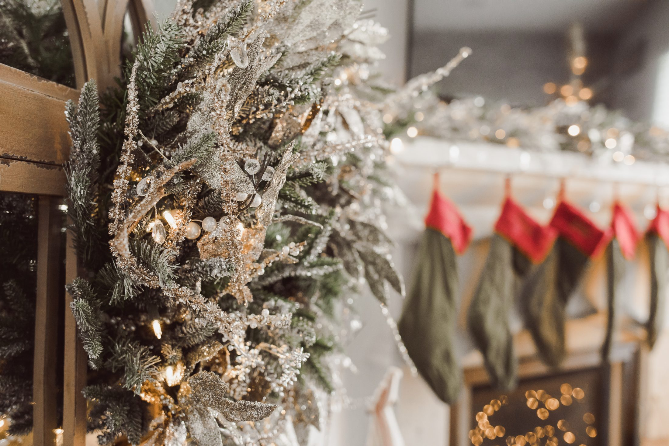 Houston lifestyle blogger Uptown with Elly Brown shares her Balsam Hill x Nicole Miller Christmas Decorations. Read more for Holiday inspiration!