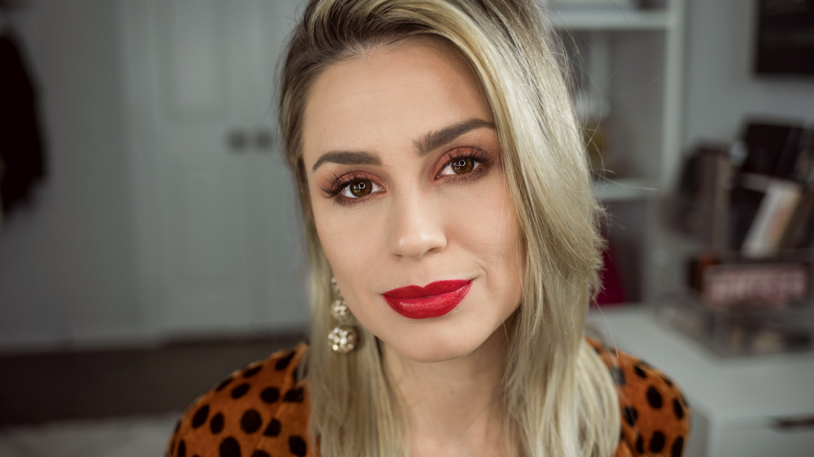 Houston Beauty Blogger Uptown with Elly Brown shares her tips and tricks on How To Make Your Makeup Last All Day even during the busy holiday season!
