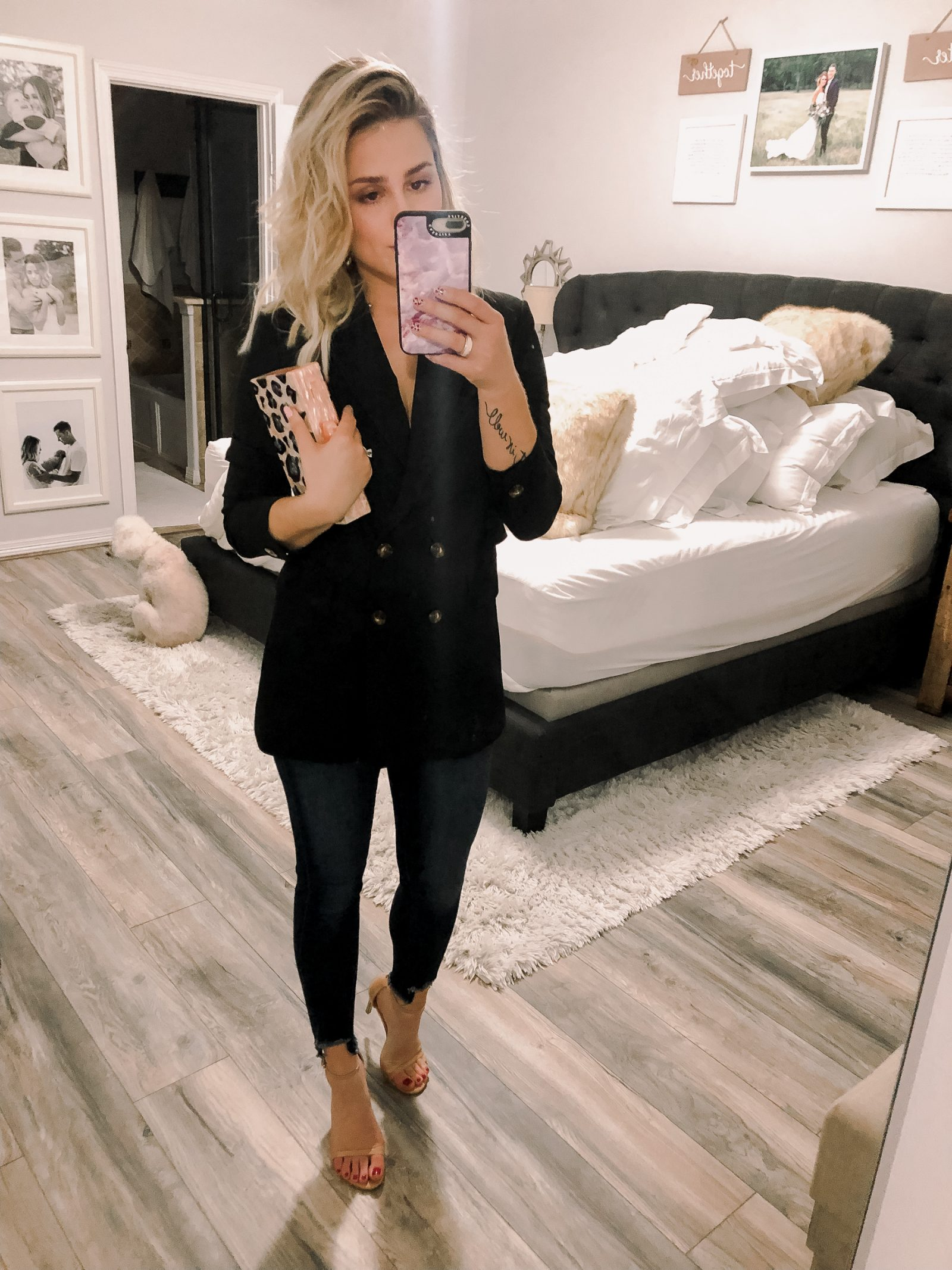 Looking for ideas on How To Wear A Blazer? Houston fashion blogger Uptown with Elly Brown wears her blazer for a date night outfit