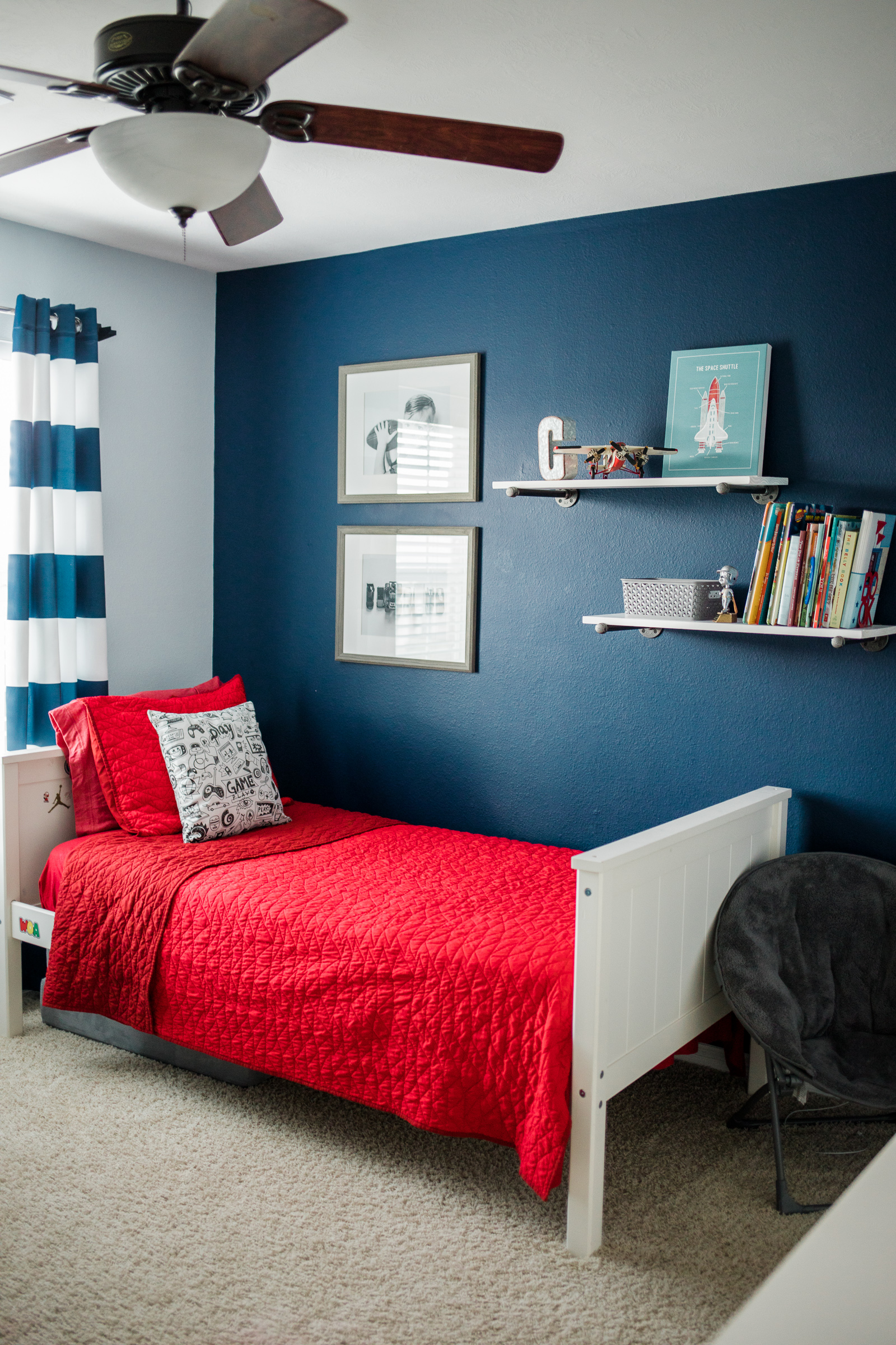 Houston lifestyle blogger Elly Brown shares her shared boys bedroom decor
