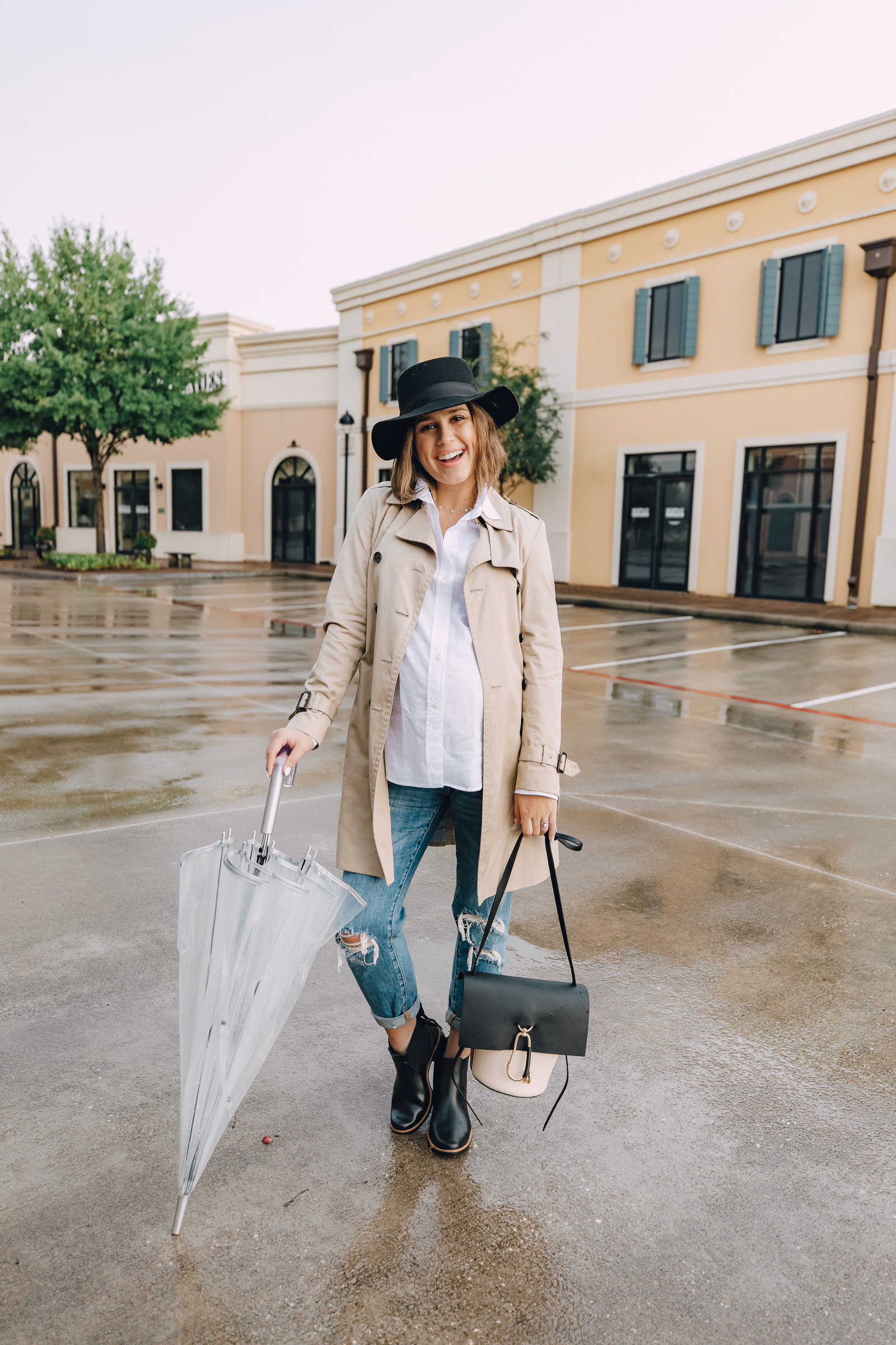 Stuck on what to wear on a rainy day? fashion blogger Elly Brown shares an easy and chic rainy day outfit!