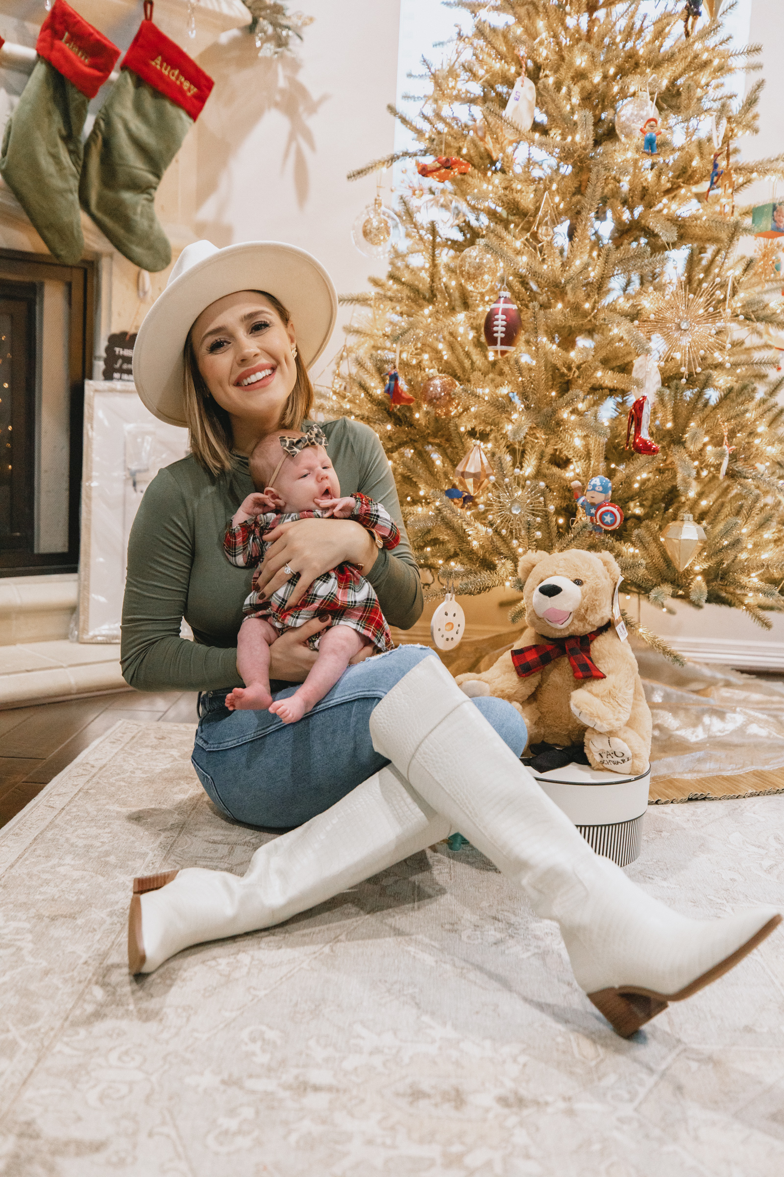 Looking for the perfect stocking stuffer gift? Houston blogger Elly Brown shares Stocking Stuffer Ideas Under $20 for everyone in the family!