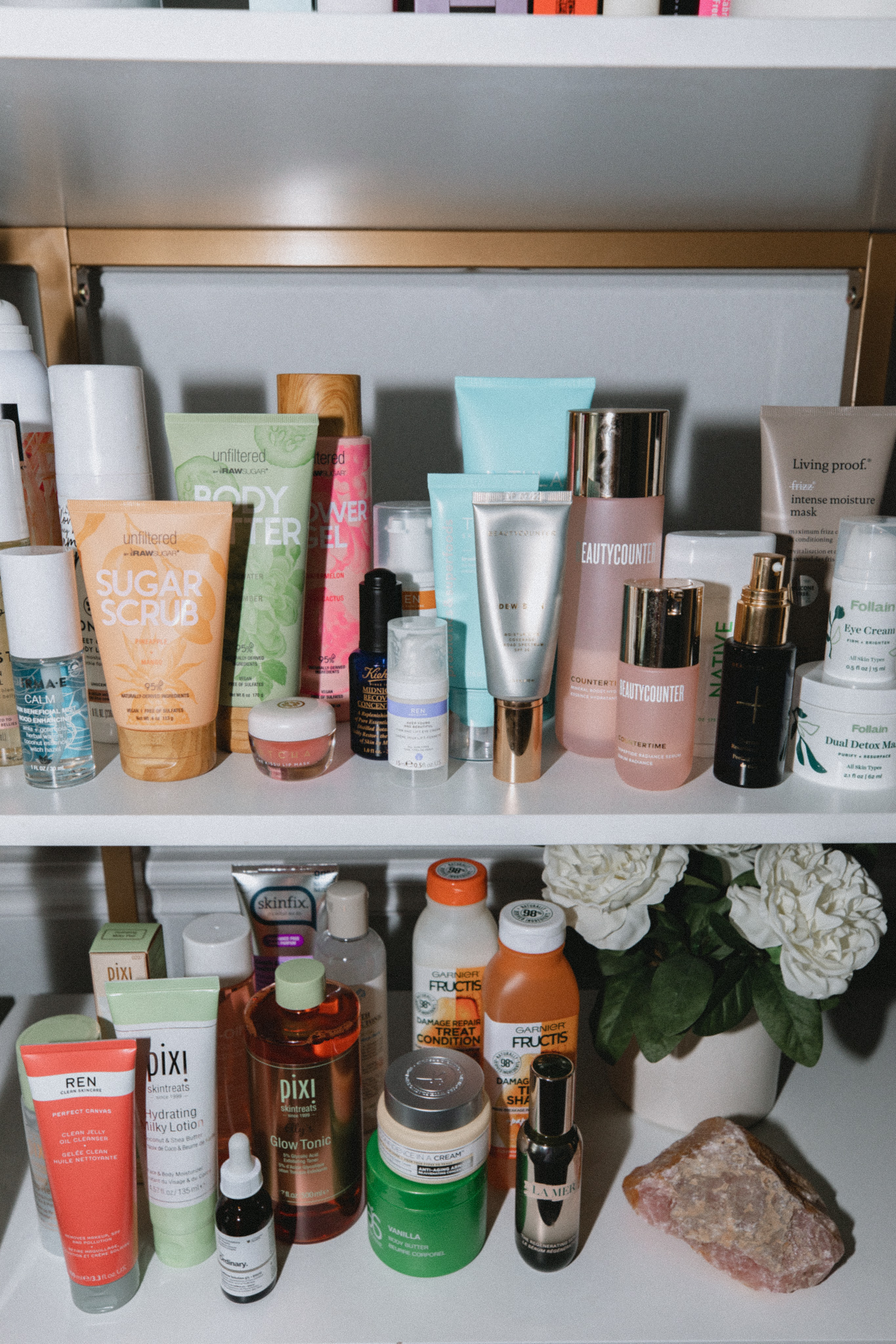 Houston lifestyle blogger Elly Brown opens up about her journey to Clean Beauty. Why she's doing and what she's learned along the way!