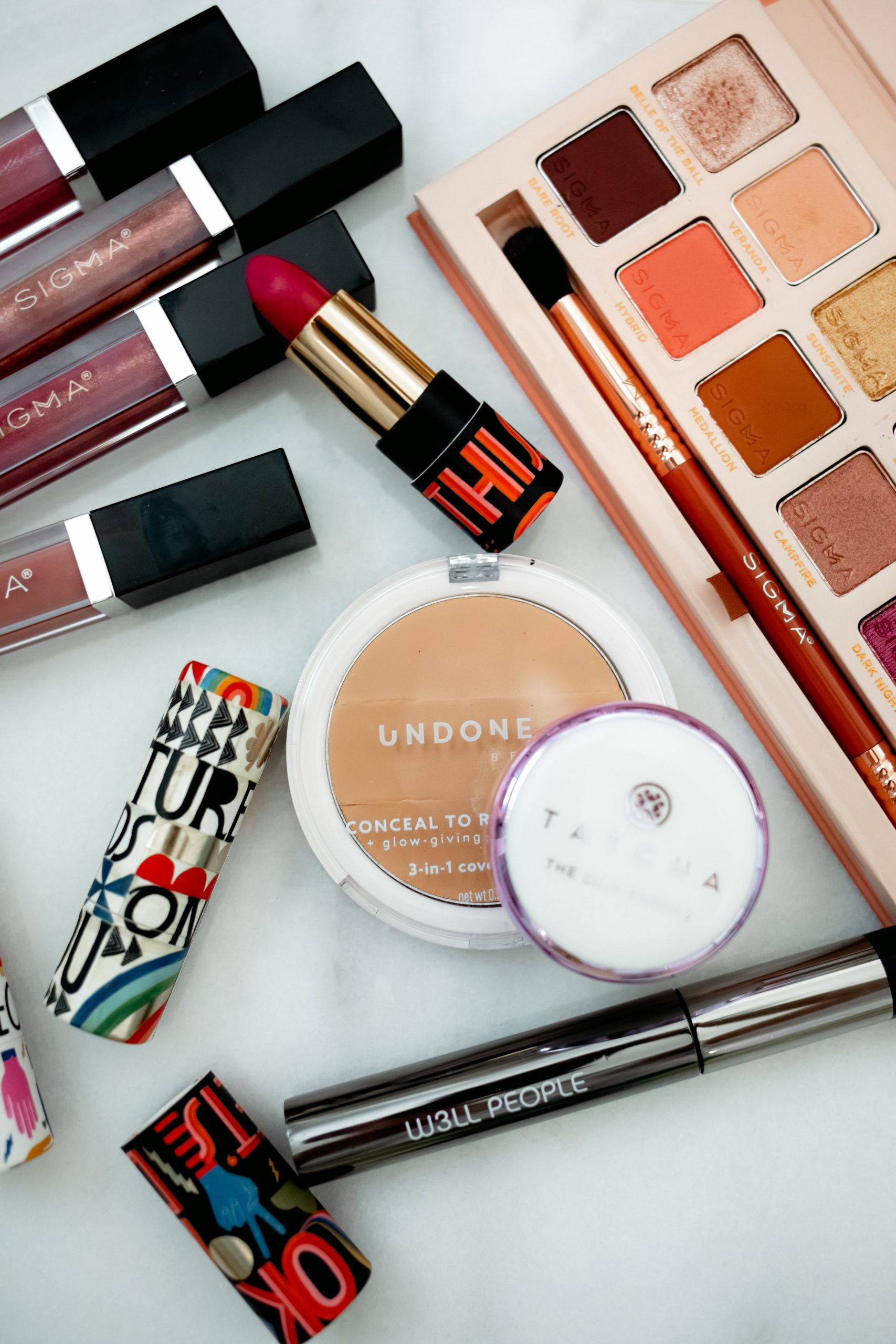 Into Clean Beauty? Houston beauty blogger Elly Brown shares her favorite Clean Makeup Brands and Products along with a quick tutorial!