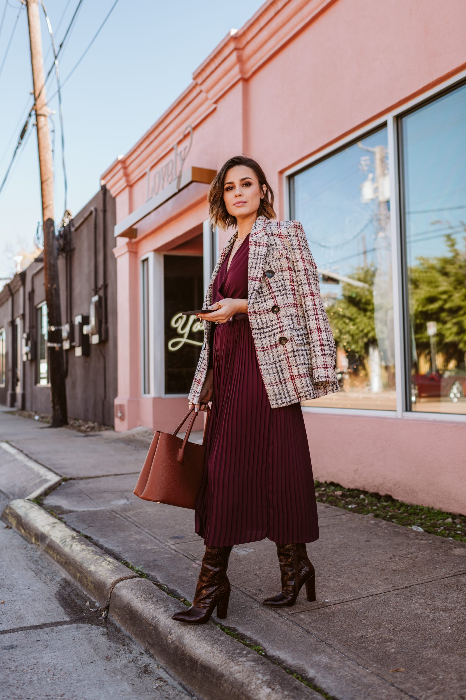 How to style and wear a plaid blazer for a winter outfit