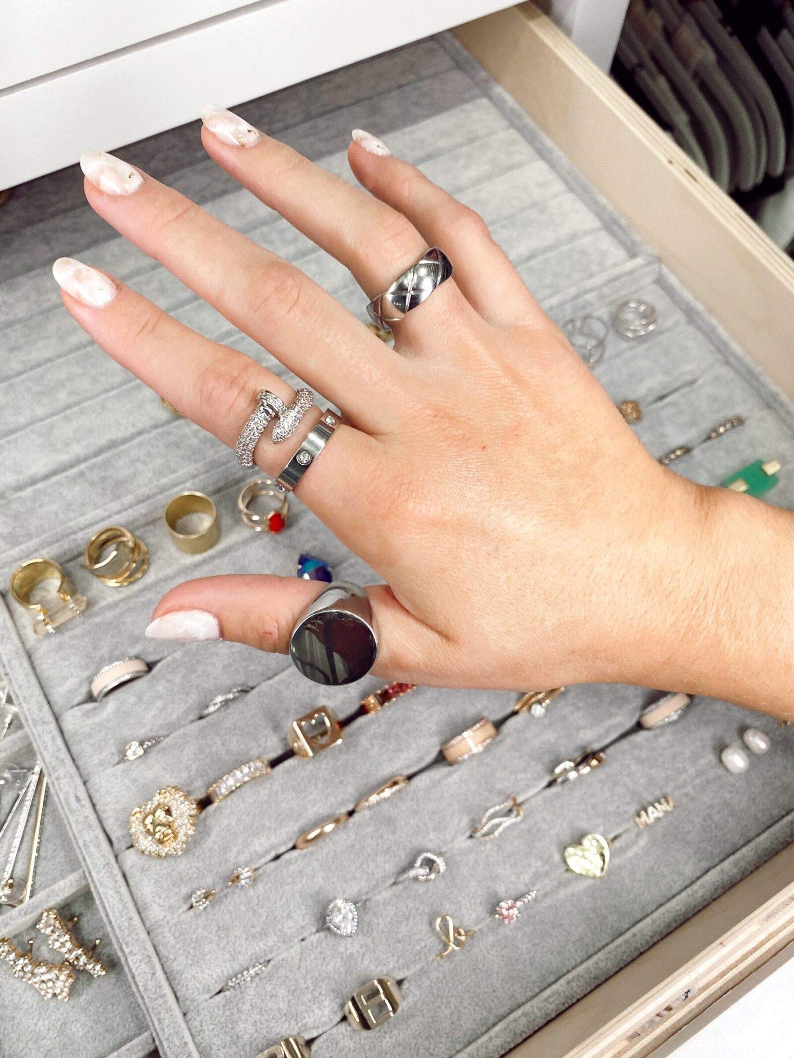 Where to Buy Affordable Dainty silver Rings for Everyday Wear