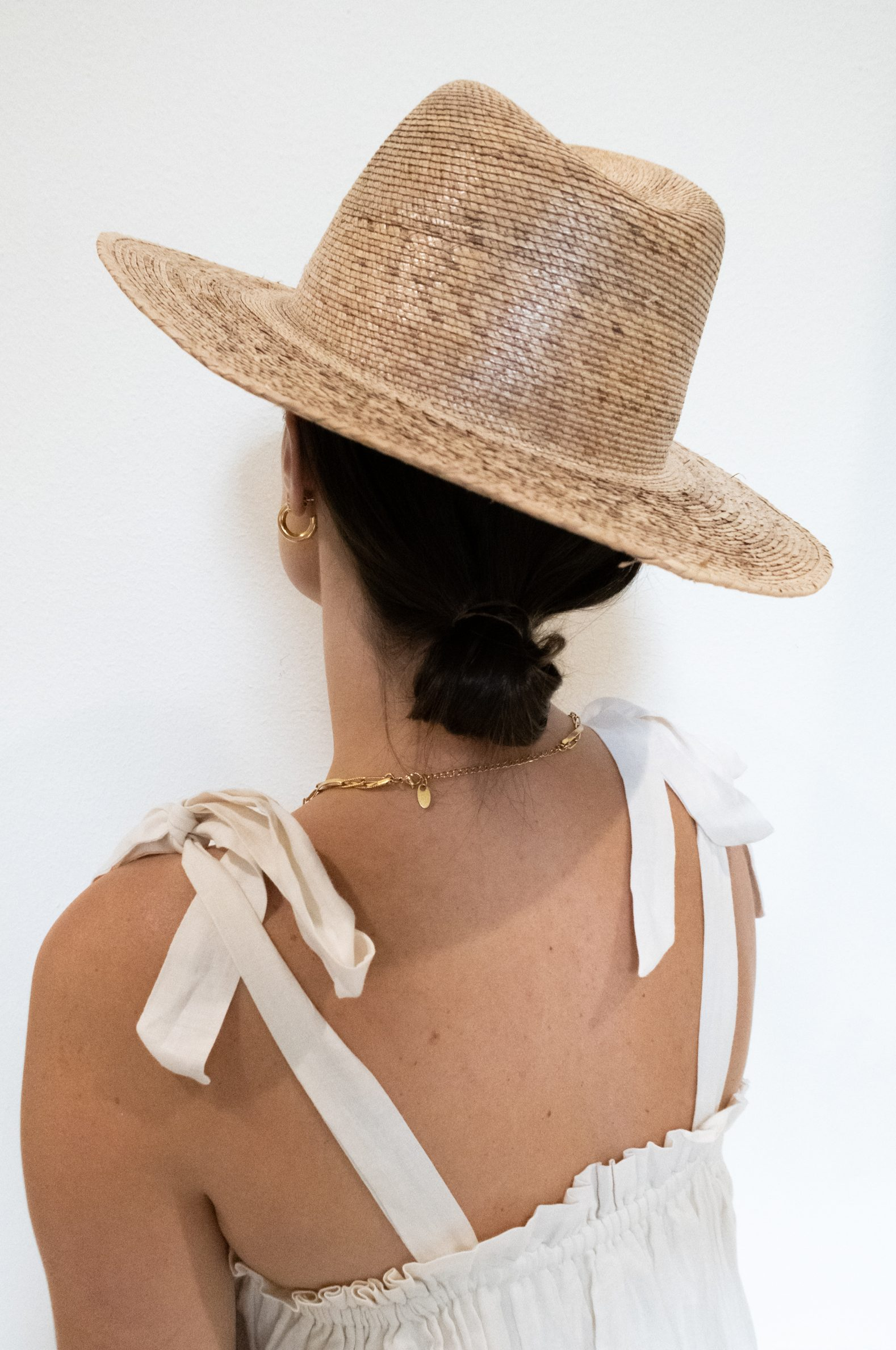 Summer Hairstyles for Short Hair: Elly Brown shares the perfect straw hat for summertime